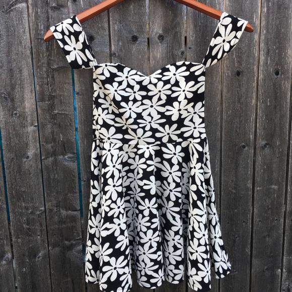 a6ffc54d386 Kids girl summer off shoulder floral party dress